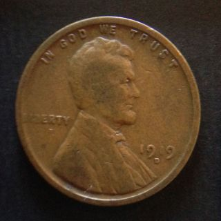 1919 - D Lincoln Cent - - Looks Vf photo