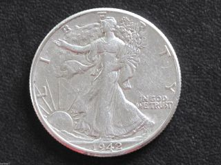 1942 - P Liberty Walking Half Dollar 90% Silver U.  S.  Coin D6530 photo
