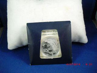 Canadian Maple Leaf 20.  00 Coin Dollar Canadian Royal photo