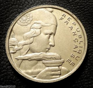 France,  1955 100 Francs,  Liberty / Torch Coin photo