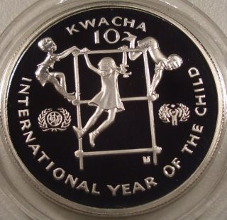 1979 Zambia Year Of The Child $10 Silver Coin photo