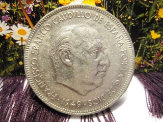 Spain 1949 Circulated Coppernickel 5 Pesetas Coin