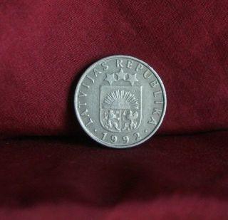 Latvia 50 Santimu 1992 Copper Nickel World Coin K13 Red Lion Griffin Sun Stars photo