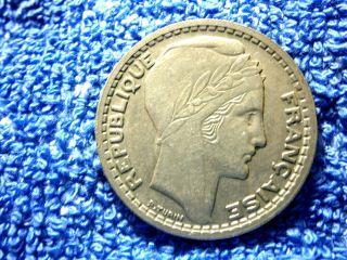 France: Scarce 10 Francs 1946 Extremely Fine Plus photo