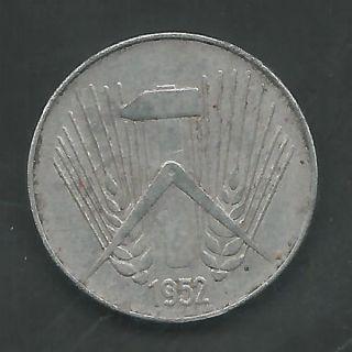 Germany,  East,  1952 - A,  10 Pfennig,  Aluminum,  Km 7,  Extra Fine (6787) photo