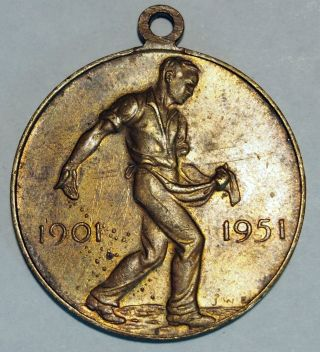 50 Years Of Federation Medal - Commonwealth Of Australia 1901 - 1951 photo