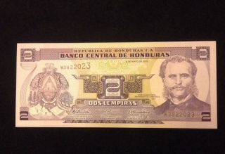 Honduras Unc 2 Lempiras 2010 Banknote World Currency Paper Money photo