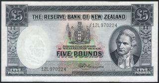 Banknote Zealand Five Pounds 1967 P160d Au/unc W/thread Fleming photo