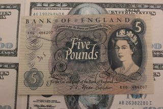 1963 - 66 Great Britain Bank Of England 5 Pound Note photo