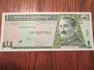 Unc Guatemala 1998 1 Un Quetzal Bankote P66 Foreign Note Bill Uncircurculated photo