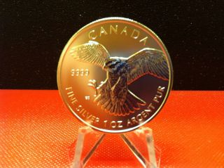 2014 $5 Canadian Peregrine Falcon 1 Troy Oz.  9999 Silver Round In Airtite photo