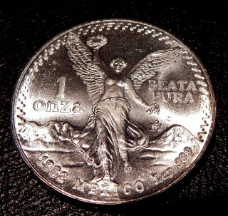 1982 Mexico One Ounce 999 Pure Silver Libertad Coin Un Circulated photo