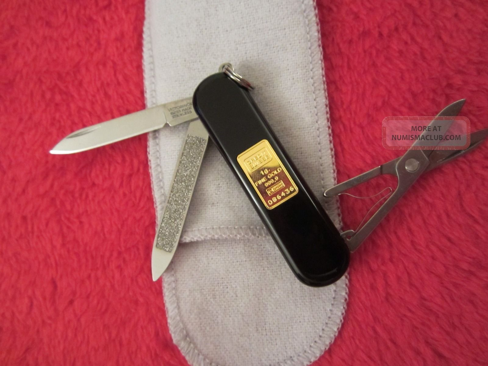 Wow Ultra Rare Victorinox Swiss Army Knife W 1g Credit