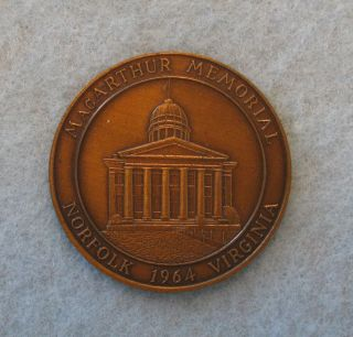 1964 Douglas Macarthur Memorial In Norfolk,  Virginia Medal: Bronze photo