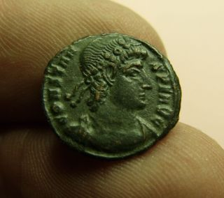 Ancient Roman Ae3,  Constans,  16mm,  1.  42g,  337 - 350 Ad,  Two Victories,  Siscia photo