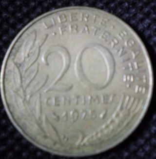 M49 Coin 20 Centimes 1975 France photo