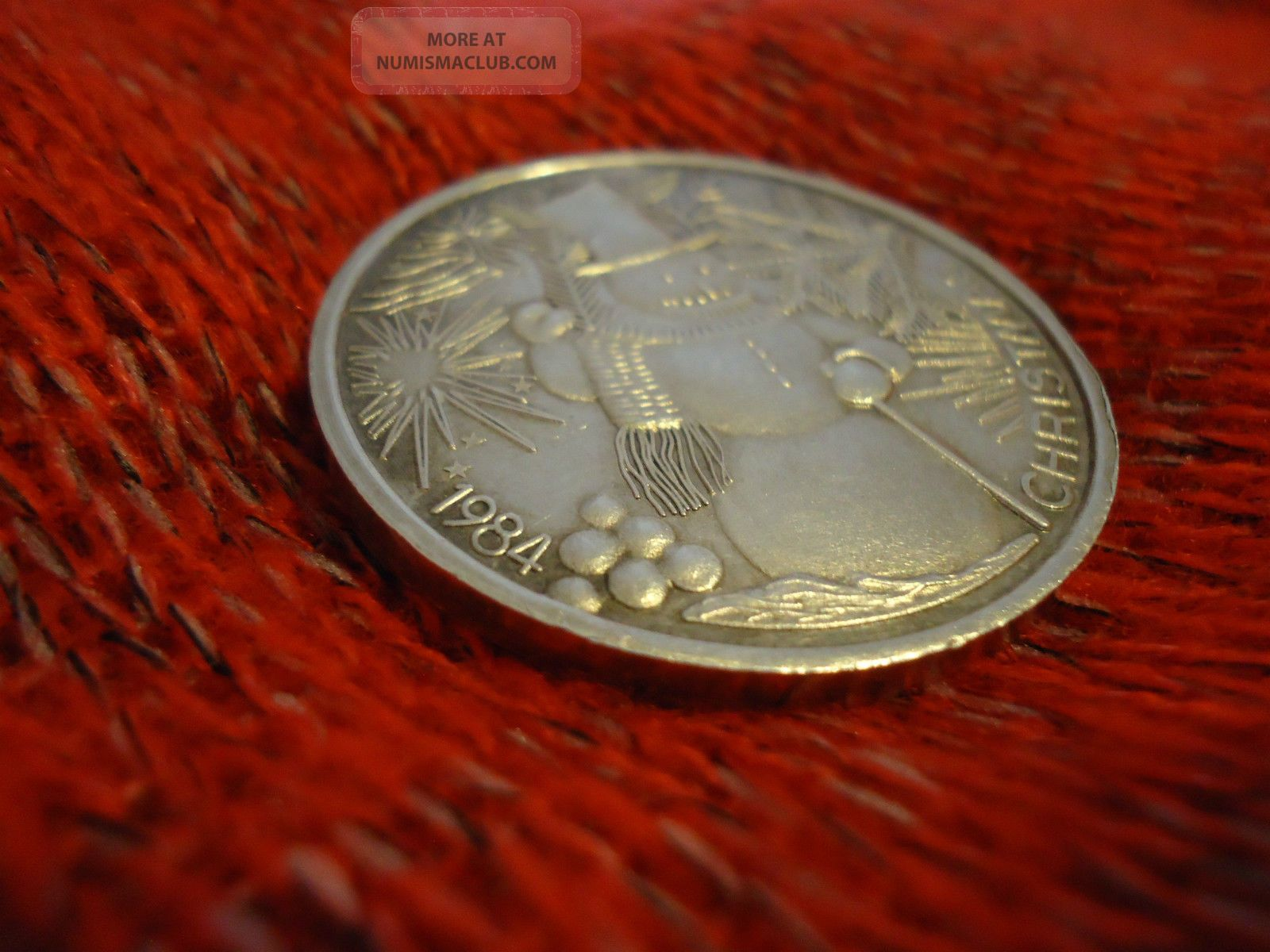 Rare 1984 Christmas Coin Solid One Troy Oz 999 Silver