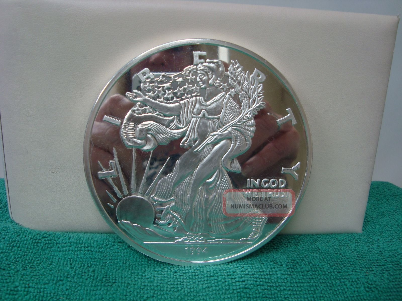 1994 Walking Liberty 1lb 16 Oz Troy 999 Fine Silver Round
