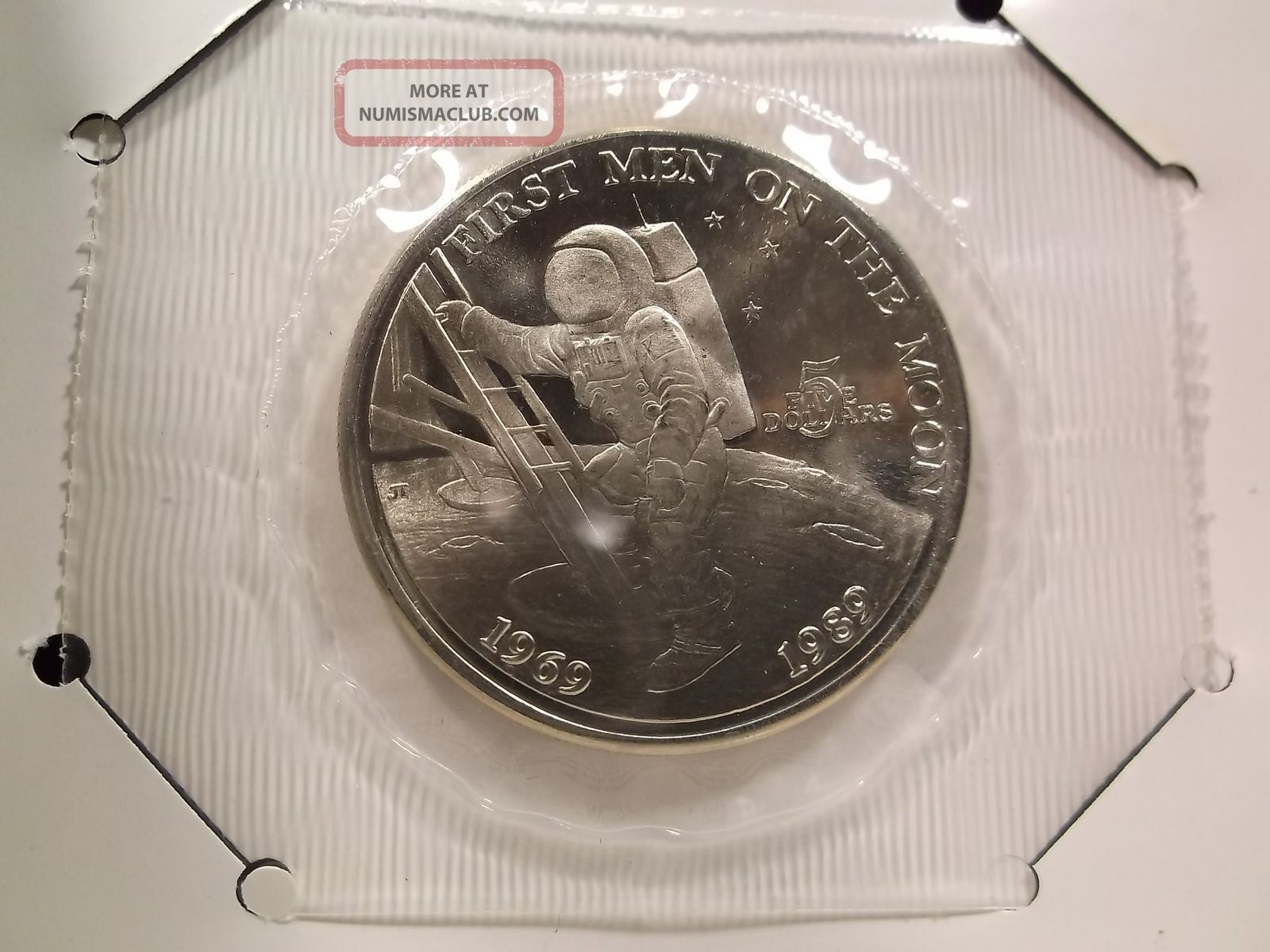 Republic Of The Marshall Islands First Men On The Moon 5 Commemorative Coin