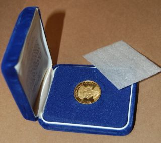 Franklin 1975 Jamaica One Hundred Dollar 900/1000 Fine Gold Proof Coin photo