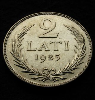 Latvia ● 2 Lati 1925 ● Silver.  835 ● 10 G ● Ø 27 Mm photo