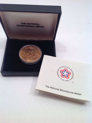 The National Bicentennial Medal 1776 - 1976 Us Gold Plated photo