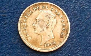 . 900 Silver 1944 El Salvador 25 Centavos Francisco Morazan Circ 29mm 560 photo