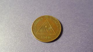 Nicaragua 1940,  One Centavo.  - Duper Vintage Coin. photo