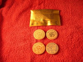 Vintage Wooden Nickels Saleman Sample Plastic Case With Wooden Nickels Rare photo