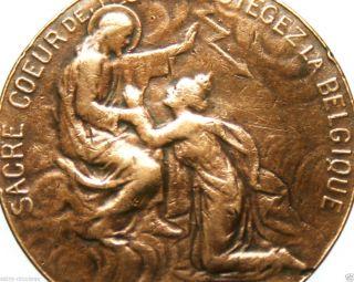 Vintage Sacred Heart of Jesus Christ Medal Goldtone
