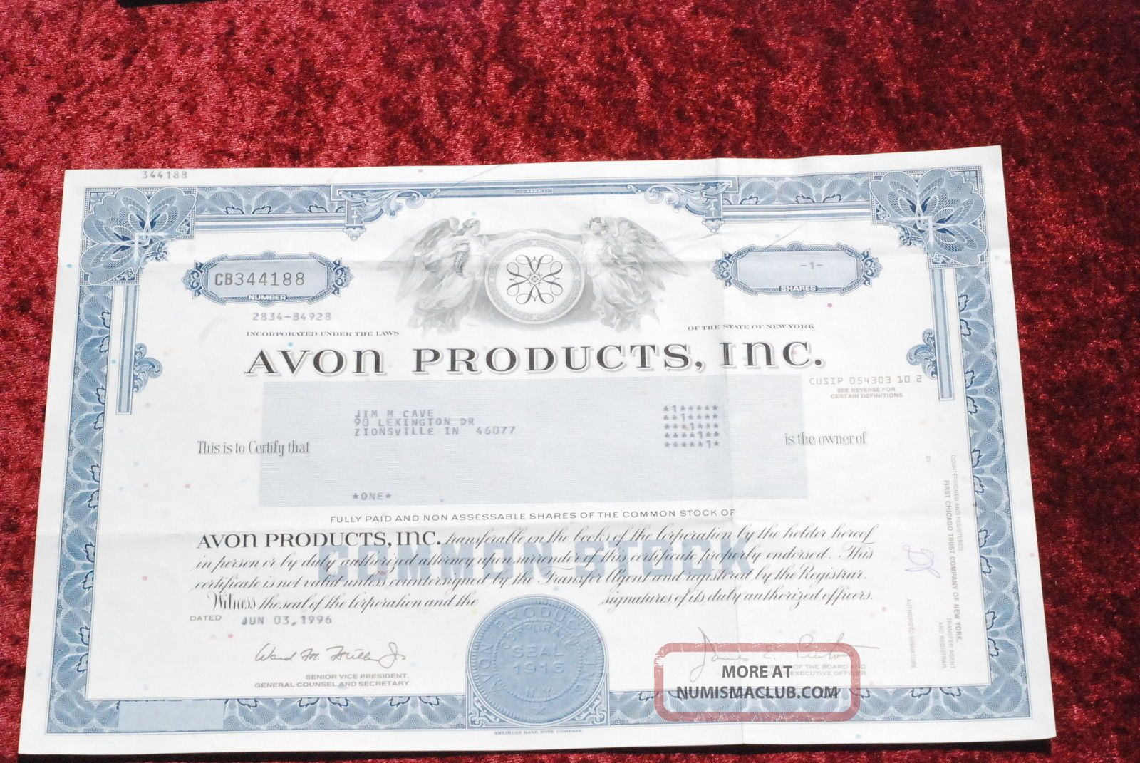 Avon Products,  Inc.  Common Share Stock Certificate 1989. Stocks & Bonds, Scripophily photo