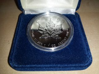 1994 $5 Five Dollar 1 Ounce Canadian Silver Maple Leaf With Case (tax Exempt) photo