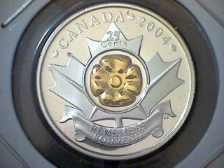 2004 Canada Proof Silver & Gold Plated Centre - Remember - 25 - Cent Coin photo