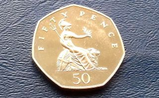 1983 Great Britain 50 Pence Seated Brittania Low Mintage 107k Proof Coin 514 photo
