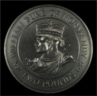 Guernsey 2 Pounds 1987 900th Anniversary Death Of William The Conqueror Coin photo
