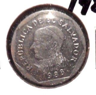 Circulated 1988 25 Centavos El Salvador Coin (62915) photo