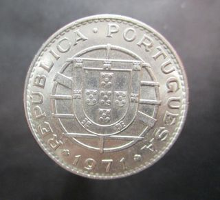 Portuguese Angola 20 Escudos 1971 Unc Km 80 photo