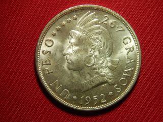 1952 Dominican Republic Un Peso Silver (. 7726 Asw) Mintage 20,  000 photo