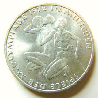 Germany - Federal Republic 10 Mark,  1972,  Munich Olympics,  Athletes Kneeling photo