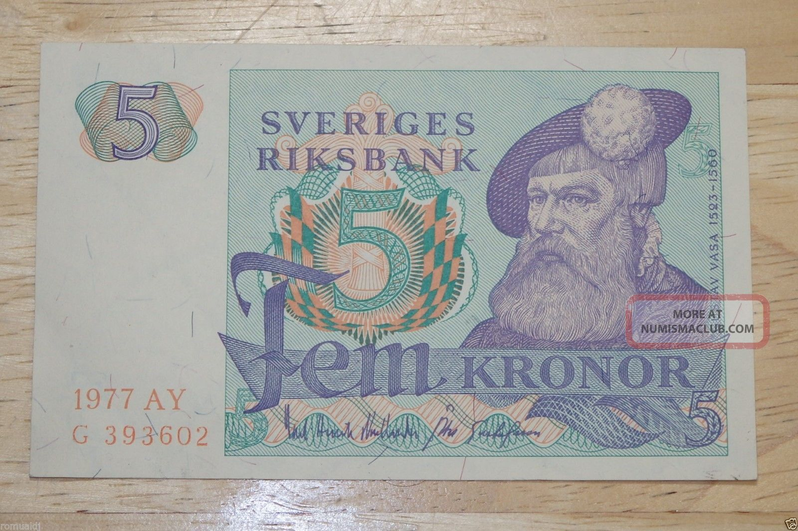 5 Kronor,  1977 Vintage Banknote.  & Uncirculated. Europe photo