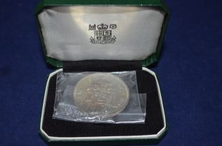 1966 Jamaican 5 Shillings From The Commonwealth Games With Display Box photo