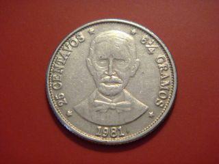 Dominican Republic 25 Centavos,  1981,  Duarte photo