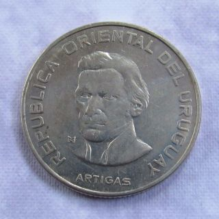 Uruguay 100 Pesos,  1973 - Domestic photo