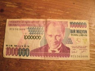 1000000 Bir Milyon Turk Lirasi Note photo