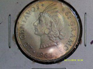 Dominican Republic 25 Centavos Silver Coin.  650 1963 Kn28 photo