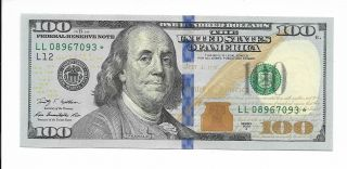 Usa / Federal Reserve Bank / Star Note - $100,  2009.  Replacement / Star Note.  Cu photo