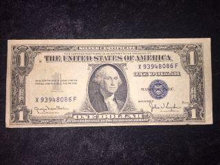 1935 D $1 Silver Certificate X93948086f photo