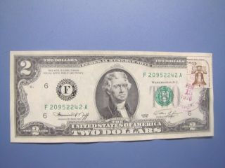 1976 First Day Issue $2 Federal Reserve Note.  Bicentennial Two Dollar Bill photo