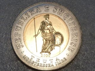 Albania 2000 100 Leke Teuta Ancient Warrior Illyrian Queen Bi Metallic Coin Unc photo