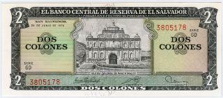El Salvador 1976 Issue 2 Colones Note Crisp Gem - Unc.  Pick 124. photo